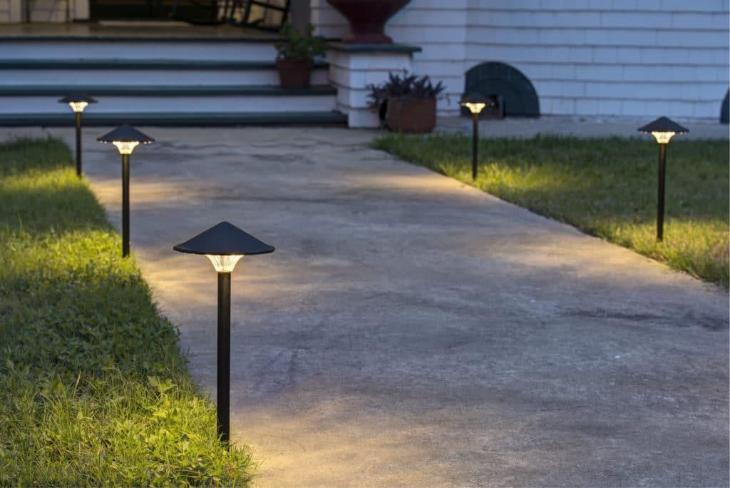 Освещение пешеходных дорожек