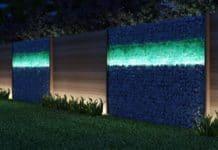 Лампы на заборе
