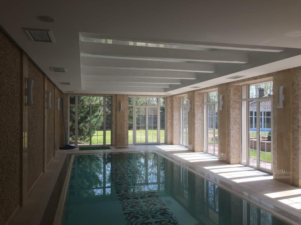 Вентилируемое помещение бассейна