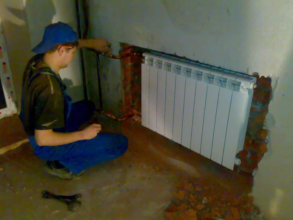 Встраивание радиатора в нишу