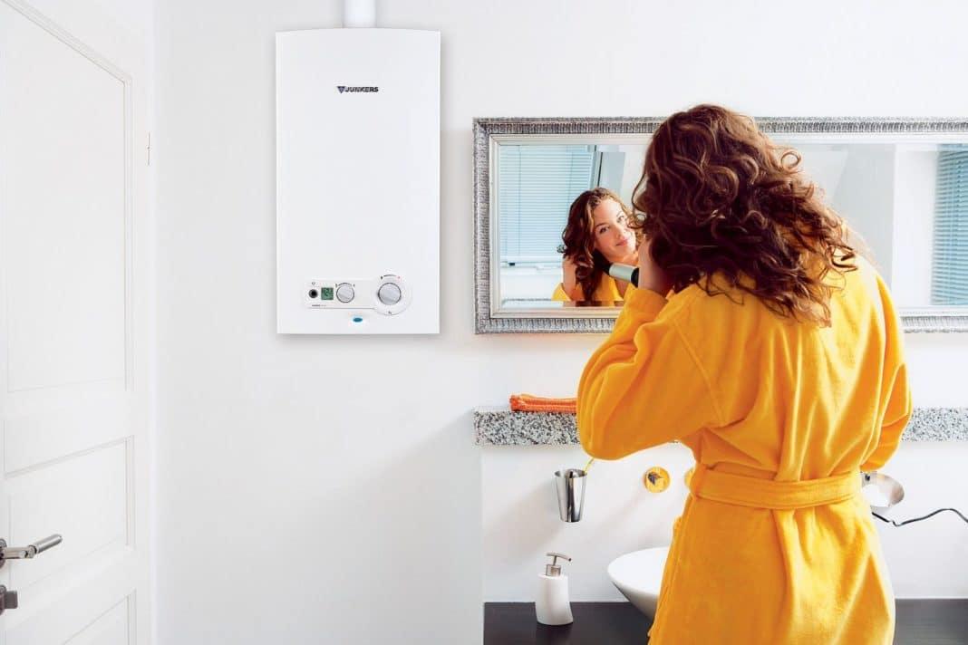 Установка электрического проточного водонагревателя
