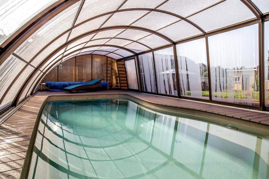 Почему стоит выбрать композитный бассейн для своего частного дома
